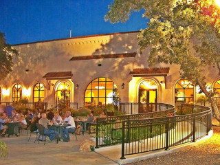 Viola's Ventanas exterior outdoor patio San Antonio restaurant