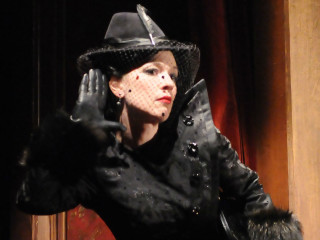 Alley Theatre presents <i>Alfred Hitchcock's The 39 Steps</i>