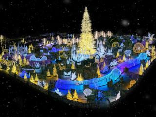 Enchant: The World's Largest Christmas Light Maze & Market
