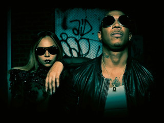 Ashanti and Ja Rule in concert