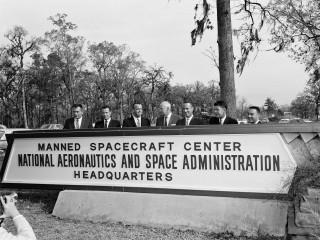 News_Jesse Hager_Gragg Building_Manned Spacecraft Center