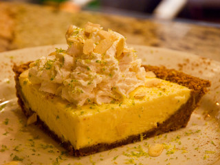 Places_Food_Laurenzo's Grille_key lime pie