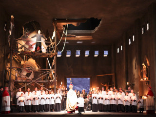 News_Tosca_Houston Grand Opera_Act 1