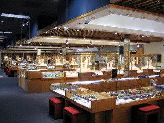 Places_Shopping_Zadok Jewelers