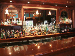 News_Mockingbird Bistro Wine Bar_bar