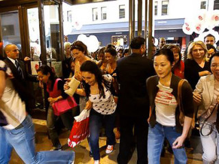 News_Tax free weekend_Shopping_August 10