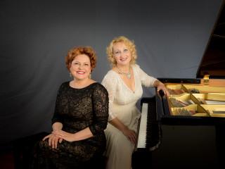 Golden Fingers: Classical Piano Duo AleAnya