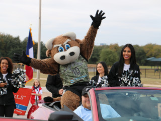 Veterans Parade & Ceremony