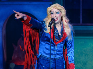 ZACH Theatre presents Hedwig and the Angry Inch
