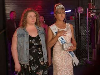 Danielle MacDonald and Jennifer Aniston in Dumplin'