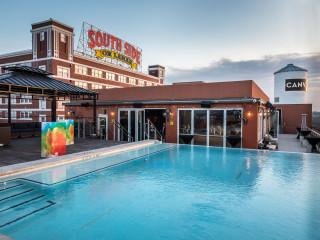 Canvas Hotel Dallas rooftop pool