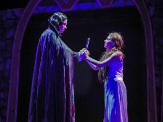ZACH Theatre presents Dracula