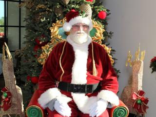 B&B Butchers & Restaurant presents Brunch & Photos with Santa
