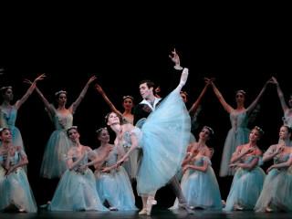 Houston Ballet principals Yuriko Kajiya and Connor Walsh in Stanton Welch's Madame Butterfly