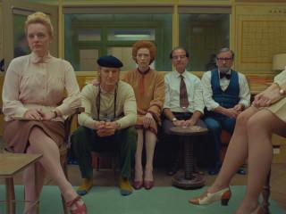 Elisabeth Moss, Owen Wilson, Tilda Swinton, Fisher Stevens and Griffin Dunne in The French Dispatch