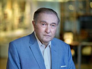 Dr. Ervin Adam