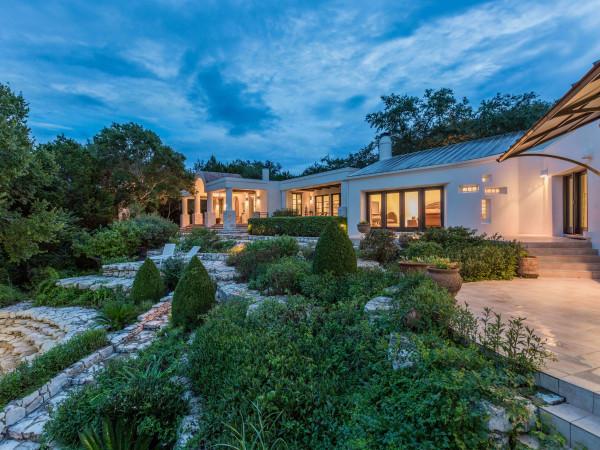 Austin home house 16009 Fontaine Avenue 78734 Lake Travis exterior
