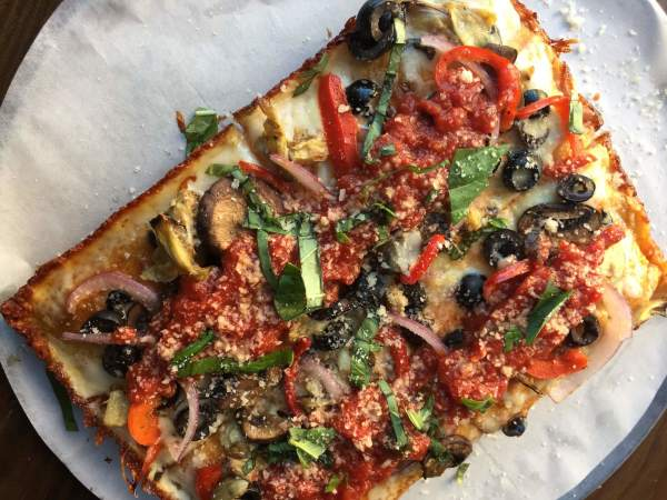 Pizaro's Detroit pizza Motor City