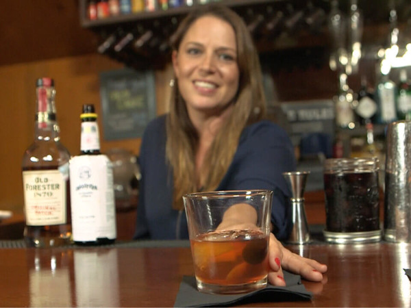Austin bartender Sera Baxter making an old fashioned