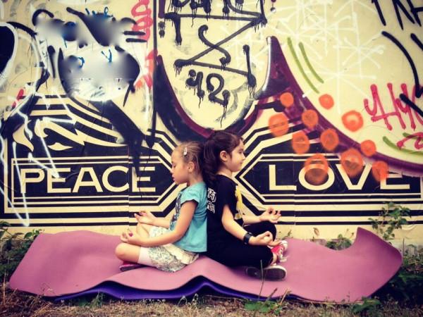 Austin Photo Set: News_Caitlin_little yoga house_sep 2012_yoga kids