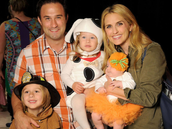 Houston, MD Anderson Children's Cancer Hospital Halloween Spooktacular, Oct. 2016, Dave Santamaria and Laine Santamaria with children Mac Santamaria, Edie Santamaria, and Annie Santamaria