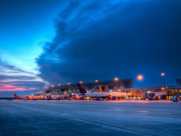 Austin-Bergstrom International Airport airplane 2014