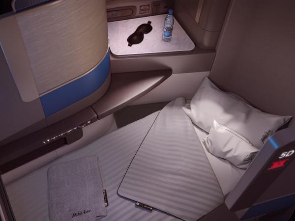 United Polaris bed service