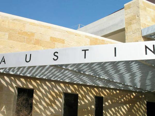 exterior of Austin City Hall