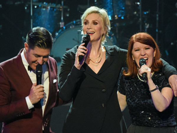 Tim Davis, Jane Lynch, Kate Flannery in See Jane Sing
