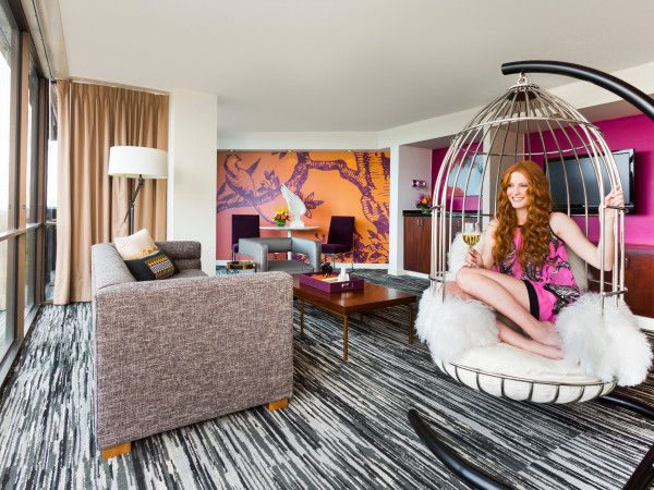 Hotel Derek, Mockingbird Suite, April 2016