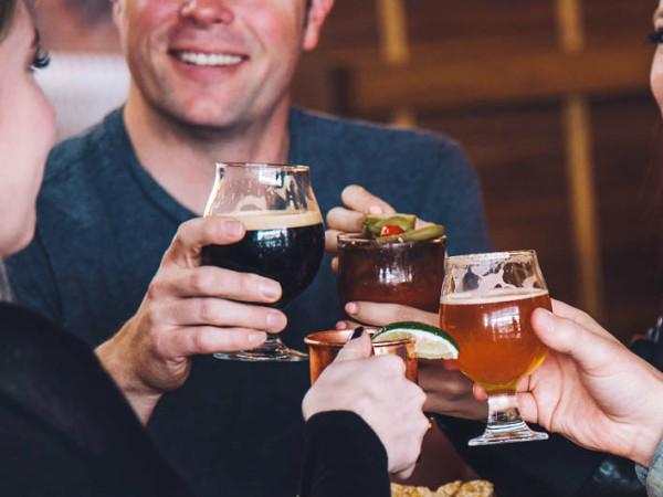 Blatt Beer Table