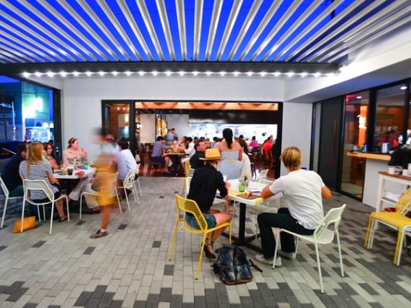 Qui restaurant Austin patio exterior