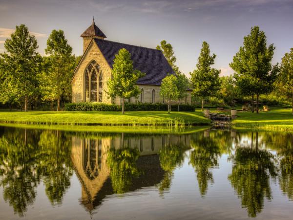T Boone Pickens, Mesa Vista Ranch, lake, chapel