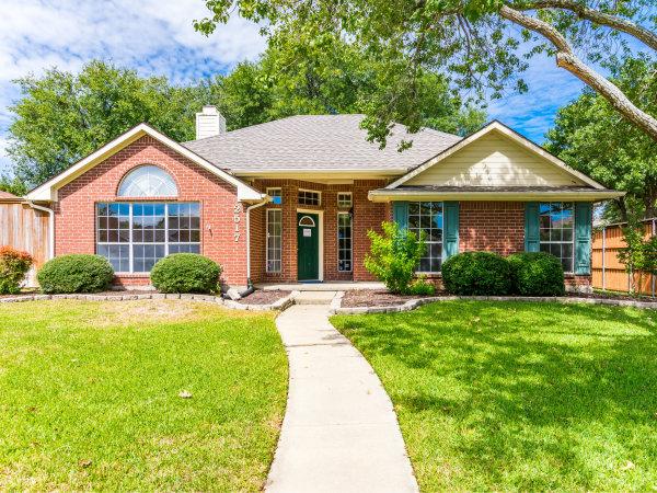 2517 Micarta Dallas house for sale