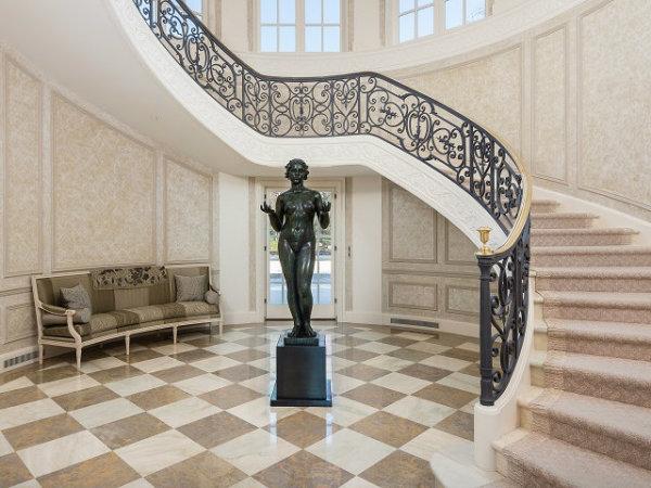 10000 Hollow Way main house foyer