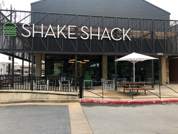 Shake Shack Rice Village exterior