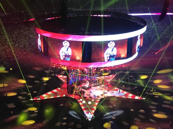 Garth Brooks opening night RodeoHouston full stage
