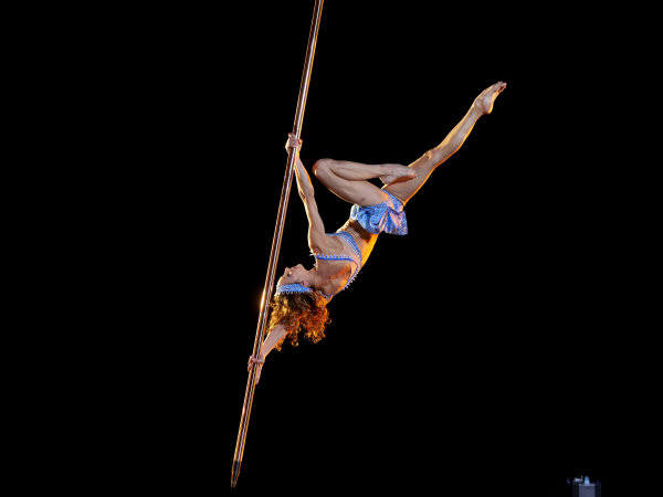 Cirque du Soleil - Corteo - suspended pole dancer