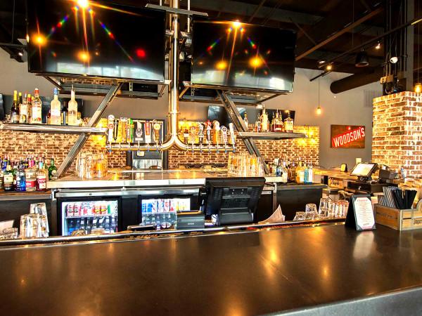 Woodson's Local Tap Woodlands interior bar