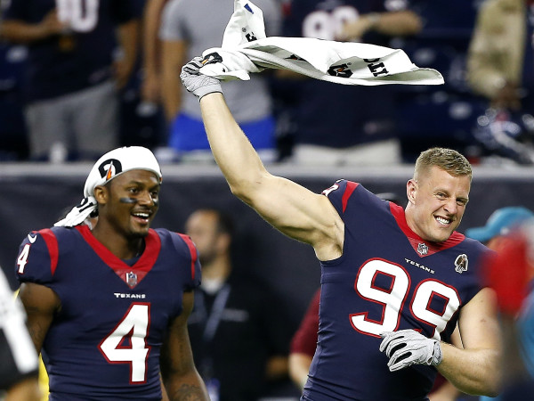 Deshaun Watson JJ Watt celebrating towels