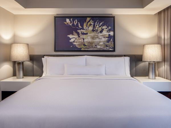Westin Oaks Houston king executive suite