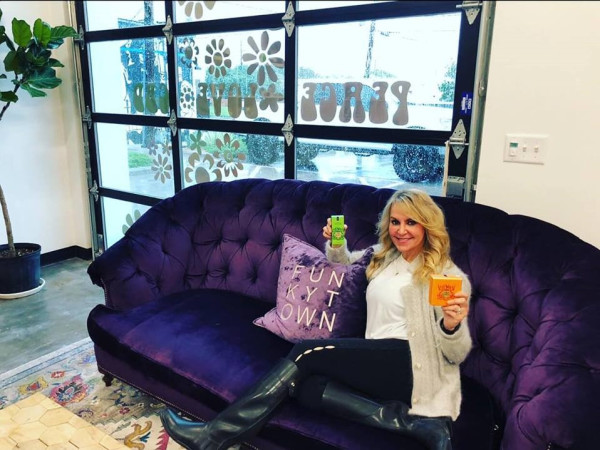 Dr. Lisa Gardner-Phillips, Thrive Apothecary