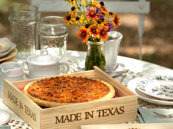 Goode Co., pecan pie, flowers