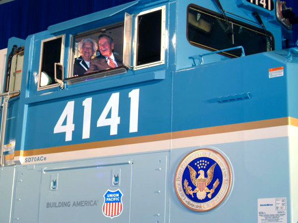 President George HW Bush Barbara Bush Train 4141 procession