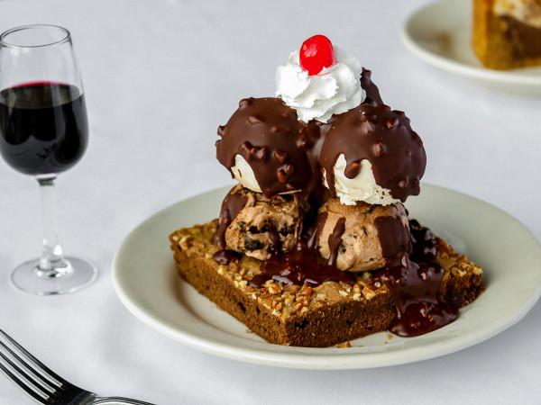 Bob's Steak and Chop House brownie sundae