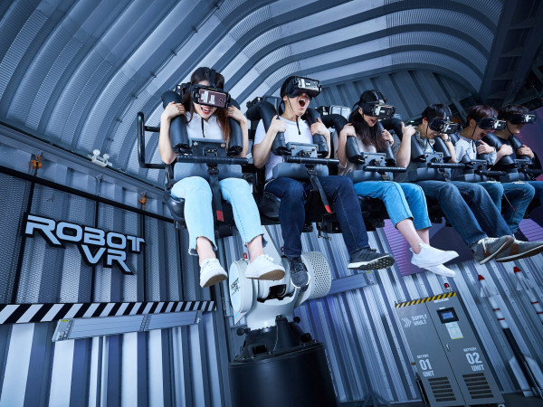 Legend Heroes virtual reality theme park
