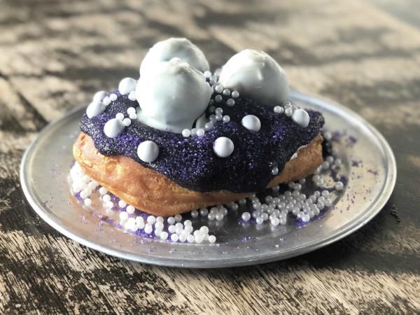 Gourdoughs San Antonio Bidi Bidi Bon Bon doughnut