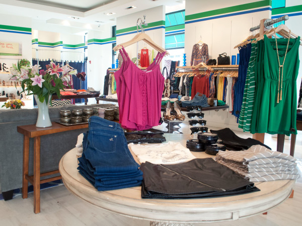 Y&I boutique, Shops at Legacy