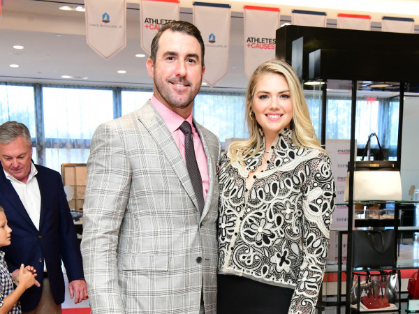 Houston Astros Team Up 4 Kids and K9s 2019 Justin Verlander and Kate Upton