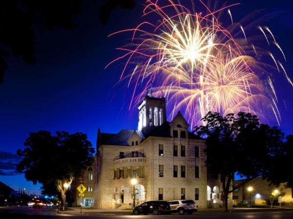 New Braunfels downtown fireworks